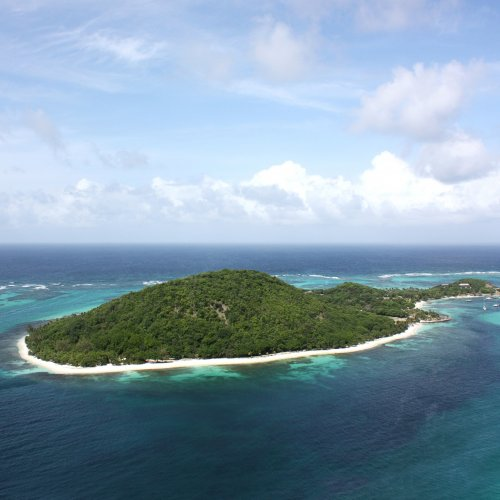 how to get to the grenadines